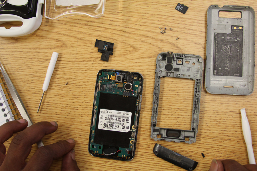 Ensuring Proper workspace for mobile device repair