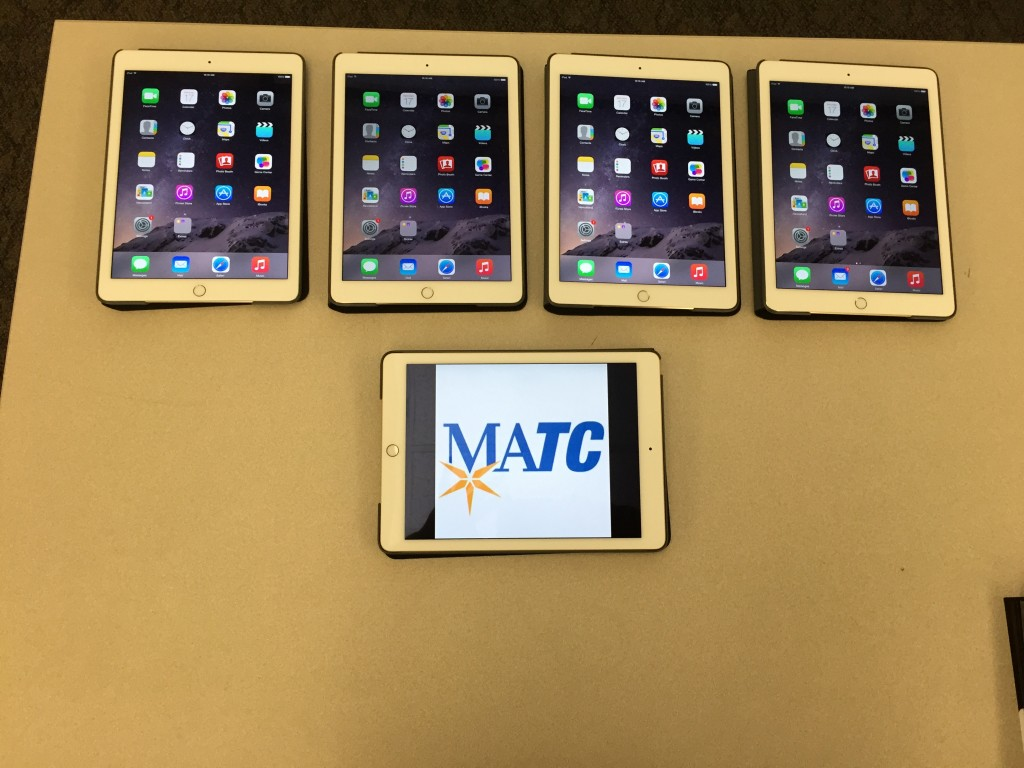 MATC.IT.Computer.Support.Apple.iMac.iPad.Lab.19