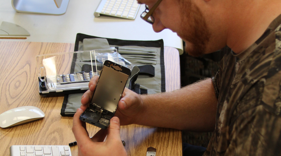 How to select quality replacement parts for mobile device repair